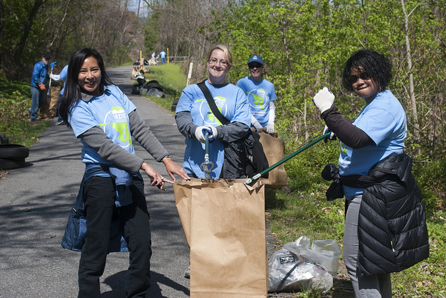 MDE employees cleaning up Gwyns Falls.